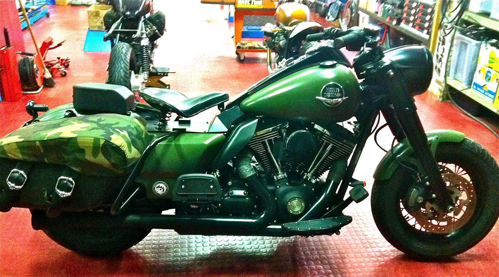 Road King Bobber http://radikalchopper.blogspot.com/2012/03/road-king.html