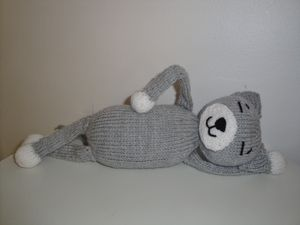 Cat Design Knitting Pattern : Chiwaluv Amigurumi Critters: Amineko Cat Knit