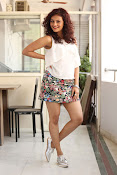 Seerat Kapoor New glam stills-thumbnail-6