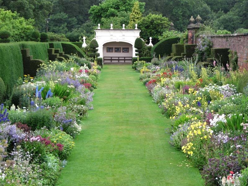 Blogging the house designy thoughts for Herbaceous border design examples
