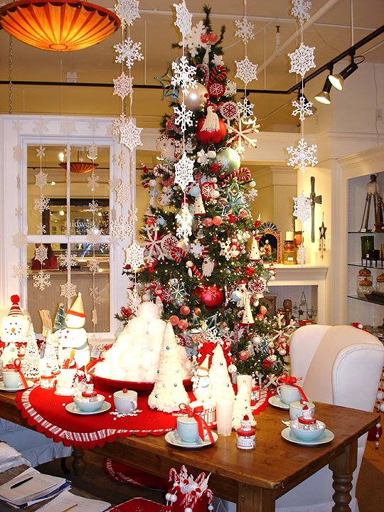 Modern house christmas home decor and christmas tree Holiday decorated homes