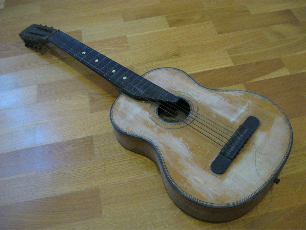 Покраска акустических гитар