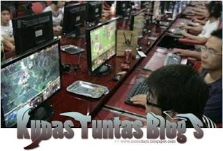 Illustrasi Bermain Game Online - [www.zootodays.blogspot.com]