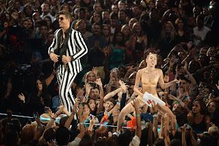 Miley Cyrus Hot 2013