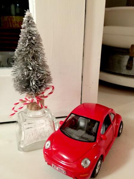 Tequila Bottle Top Christmas Tree www.homeroad.net