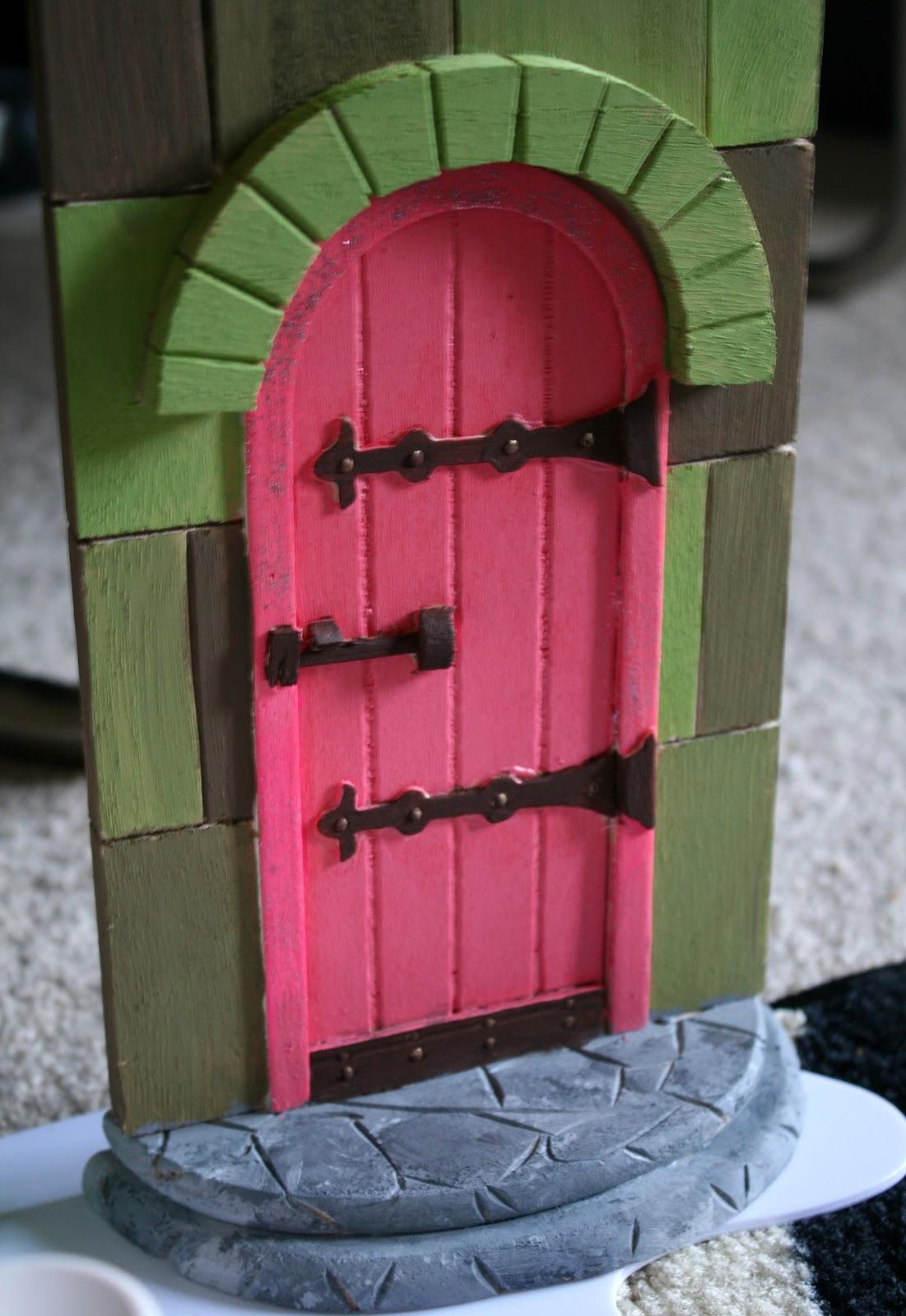 La vie diy diy fairy doors for Fairy doors images