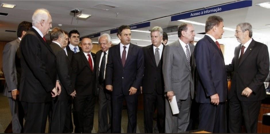 Aécio disse que assinaria CPI para investigar propinas da Siemens e Alstom para governo do PSDB. Mentiu!