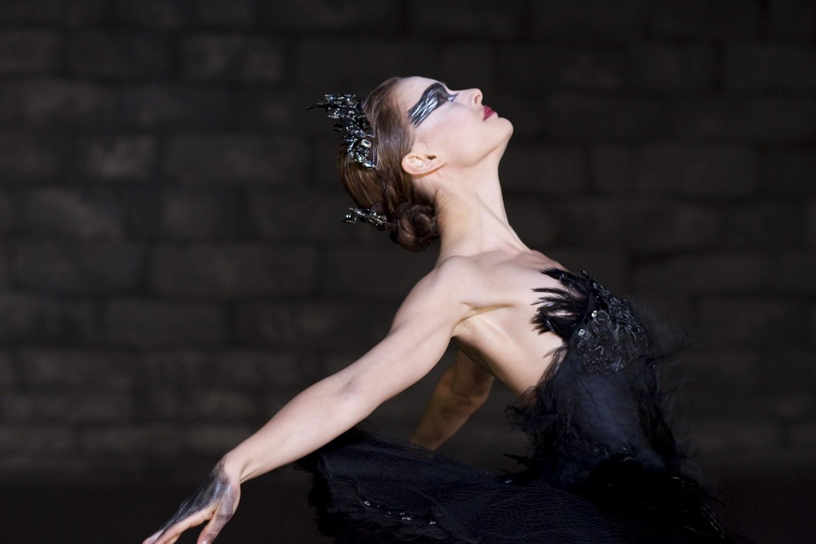 http://4.bp.blogspot.com/-FTIWbYK_QqQ/TWU24n8o9pI/AAAAAAAABKM/dDdXB6hf5yo/s1600/Black-Swan-natalie-portman-17392128-2560-1707.jpg