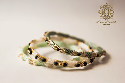 Light green bangle AM