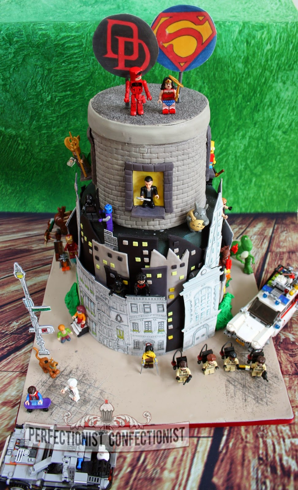 The Perfectionist Confectionist Mark And Emma Comic Book Lego - Comic Book Wedding Cake