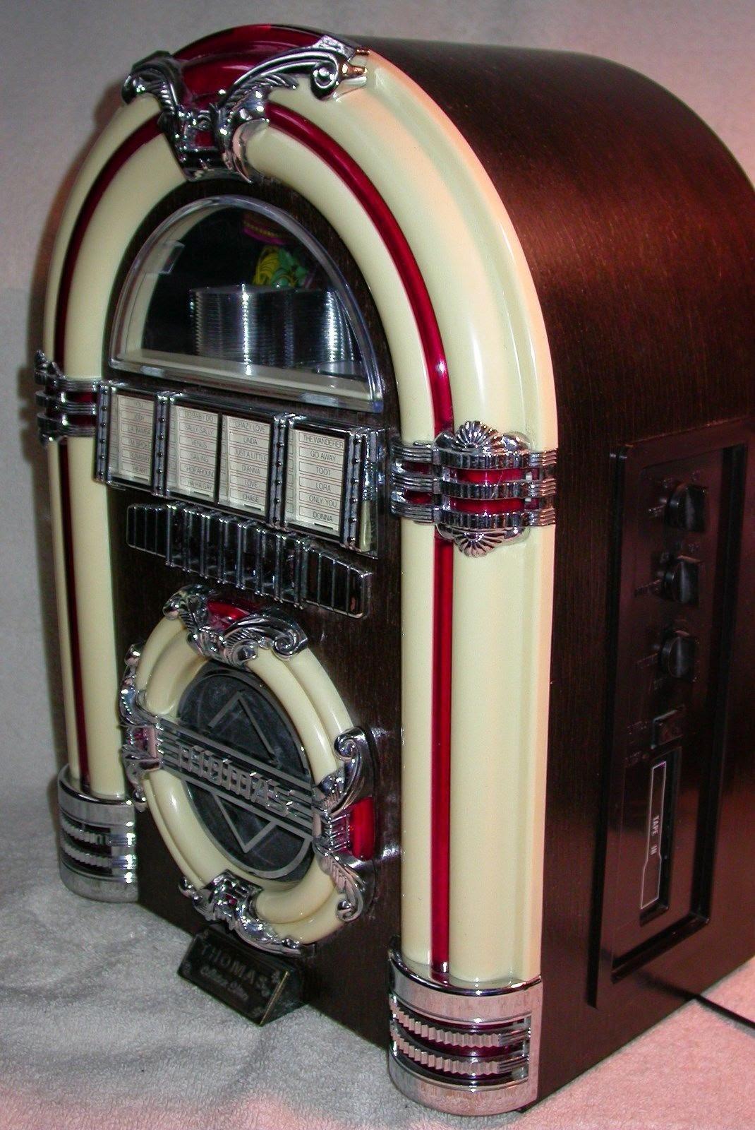 "Vintage,""THOMAS"",Collector's Edition, Miniature, Juke Box Radio"