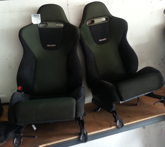 Dingz garage seat recaro accord euro r complete with door for Garage seat 78