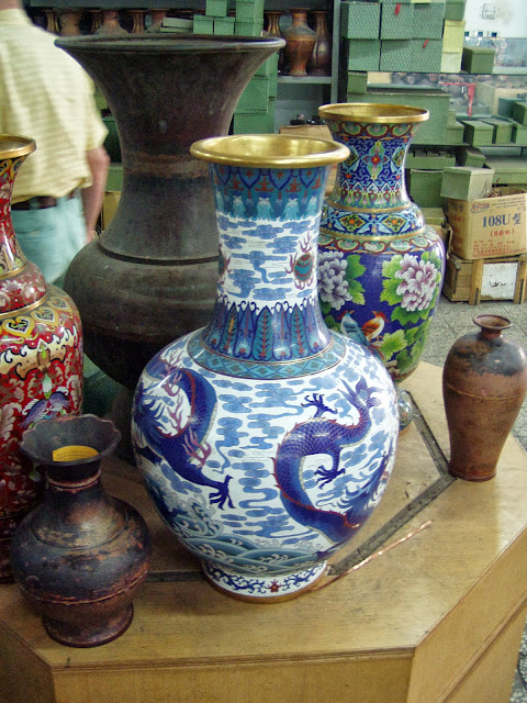 Crafts in Beijing vase