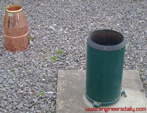 Figure : 2 A non recording gauge (left) and a recording gauge (tipping bucket)