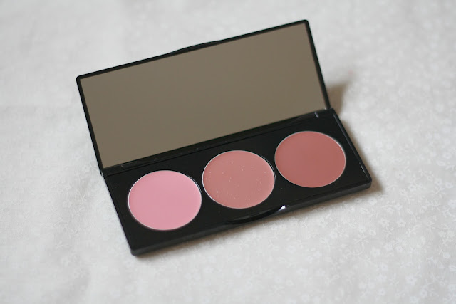 Stila-Convertible-color-trio-palette-cool-limited-edition-review-blog-swatch-beauty