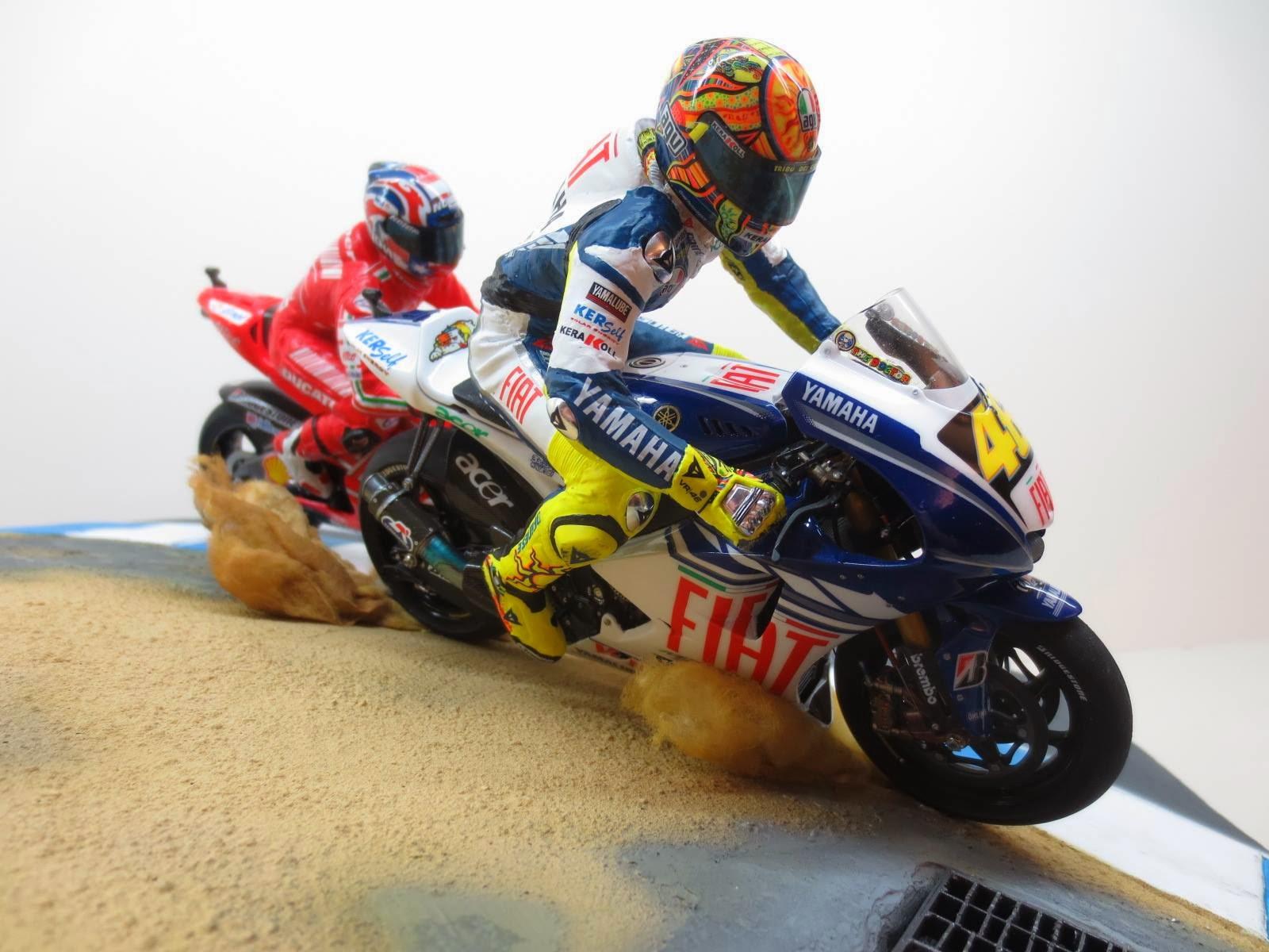 Racing Scale Models: Diorama - Casey Stoner VS Valentino Rossi - Laguna Seca 2008 by Tateo Chen