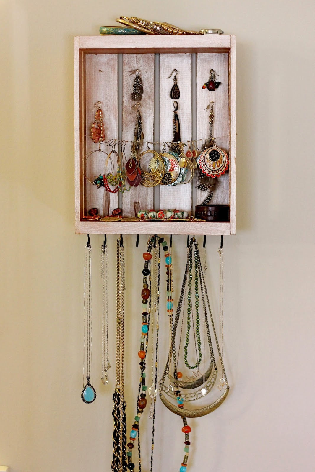 The Lucky Penny Blog DIY Jewelry Organizer