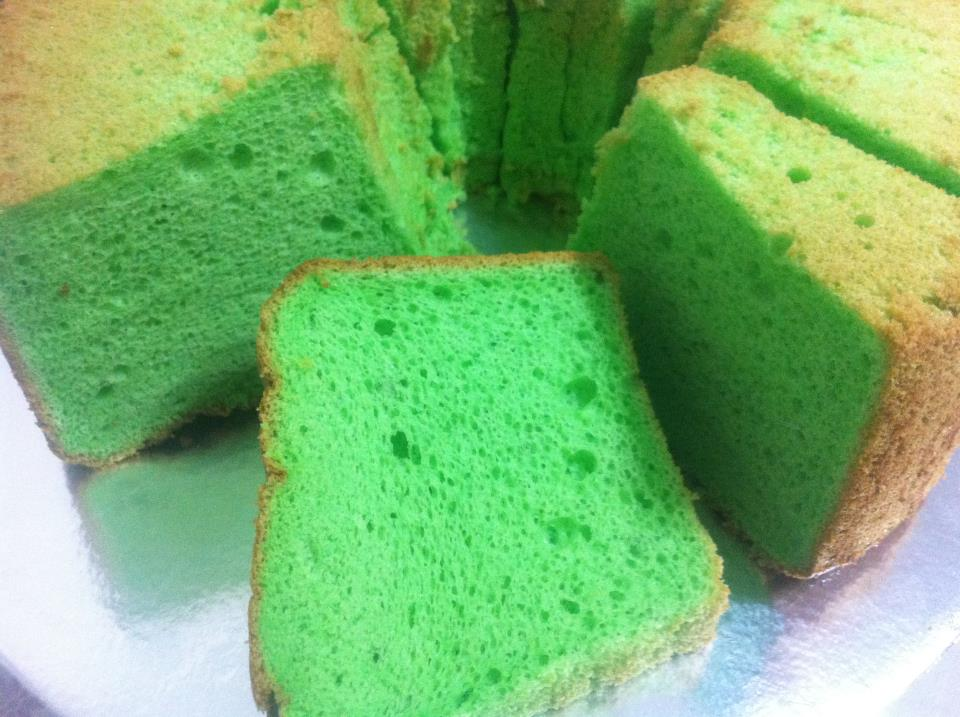 Simple Pandan Chiffon Cake Recipe