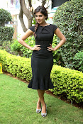 Samantha latest photos in black-thumbnail-7