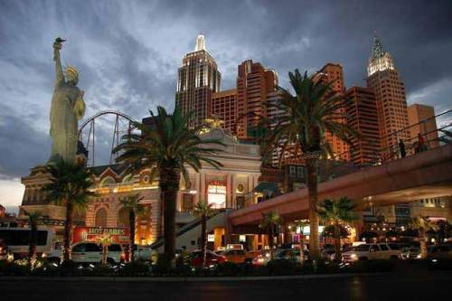 Las Vegas Hotels and Buildings Seen On www.coolpicturegallery.us