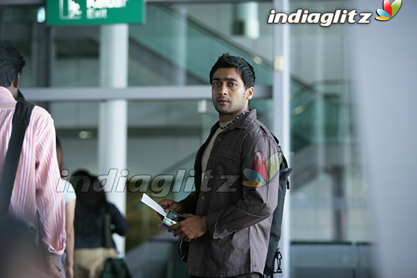 Surya's Ayan Movie 13