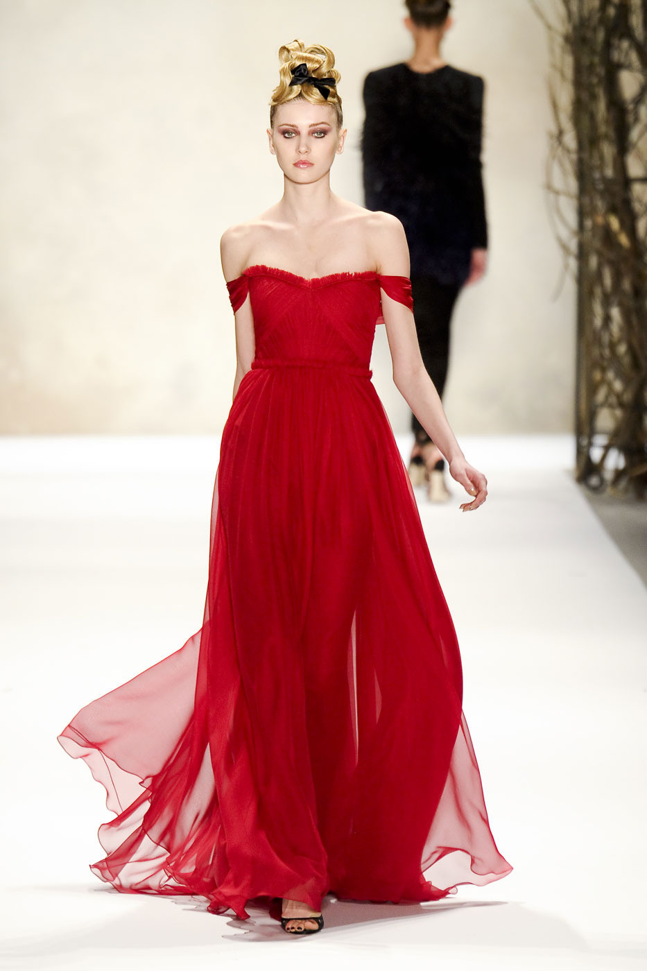 Monique Lhuilier Fall/winter 2012 | red trend | inspiration