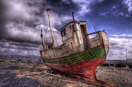 hdr abandoned ship