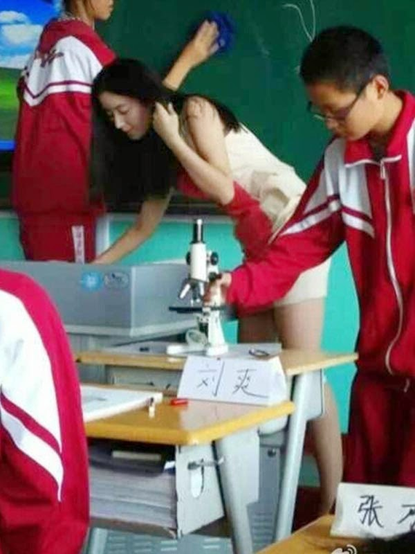 Guru Cantik Asal China Foto dan Gambar