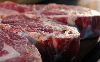 El hierro lo encontramos en la carne roja y más alimentos