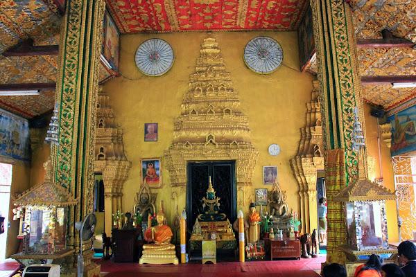Statues à Wat Si Muang - Vientian