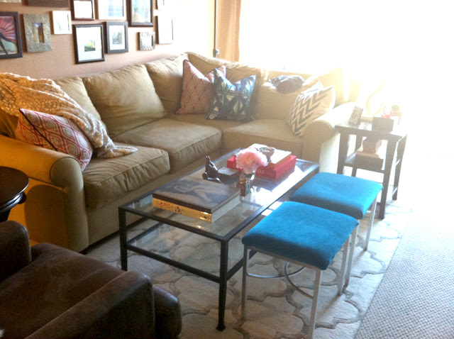 Living room before and after, Coffee table before and after, before and after, coffee table style, coffee table styling, coffee table design, coffee table vignette, patterned pillows, bench seats, velvet bench seats, turquoise bench seats, small l-shape couch, small l couch, trellis rug, lattice rug, pink flowers, pink peonies, coffee table books, iron and glass coffee table, living room design, made her look, madeherlook.net, madeherlook.blogspot.com