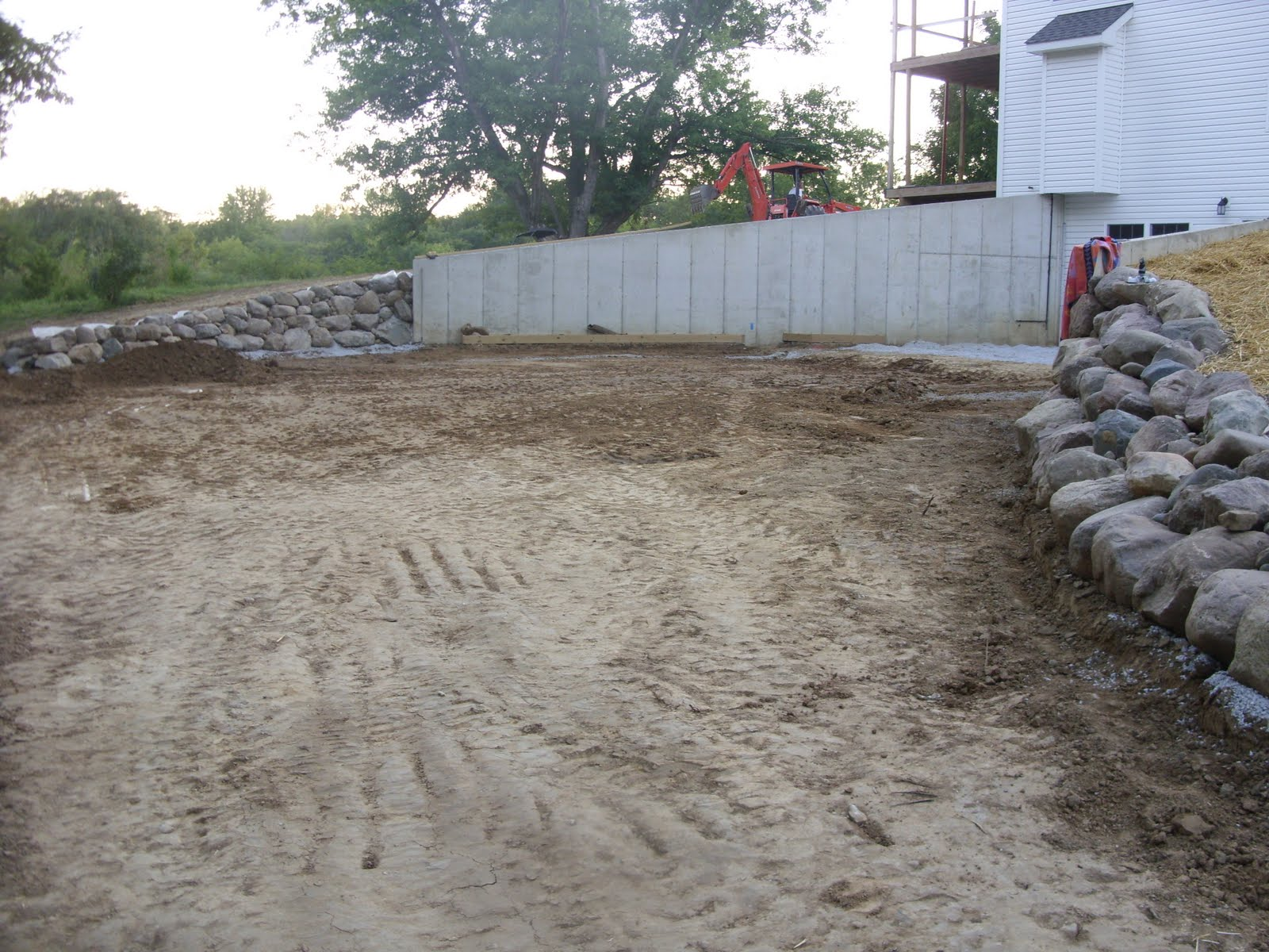 Landscape timber fence ideas quotes for Walkout basement retaining walls