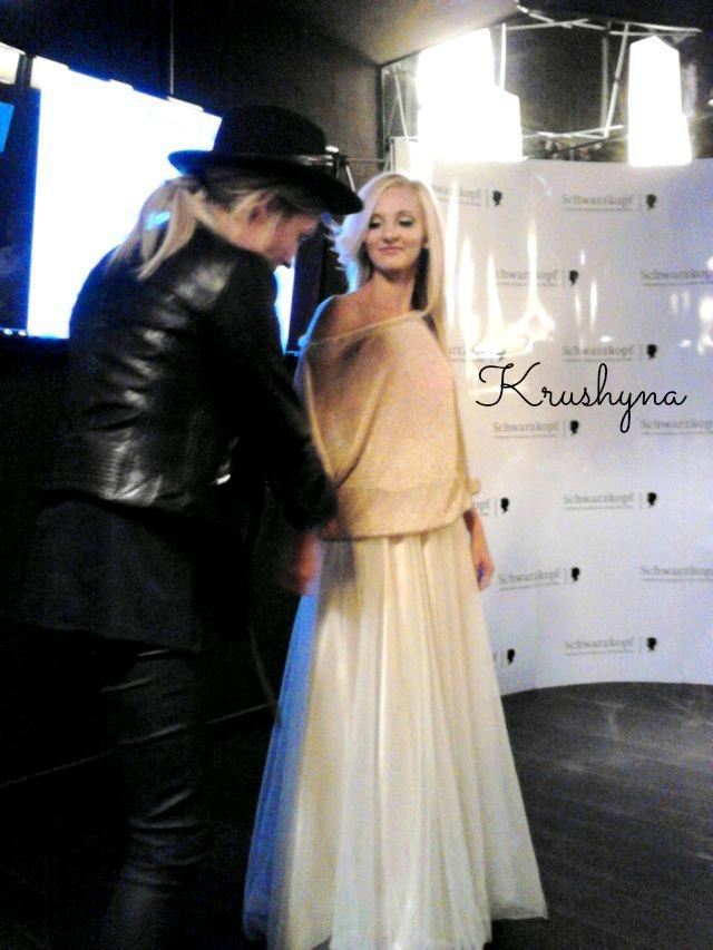 sukienka asymetria, vip testerki Schwarzkopf, fashion, Papaya, stylizacje Mony Kinal