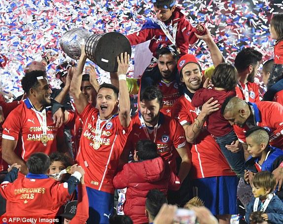 تشيلي يفوز بلقب بطولة كوبا أميركا 2015 للمرة الأولى في تاريخه