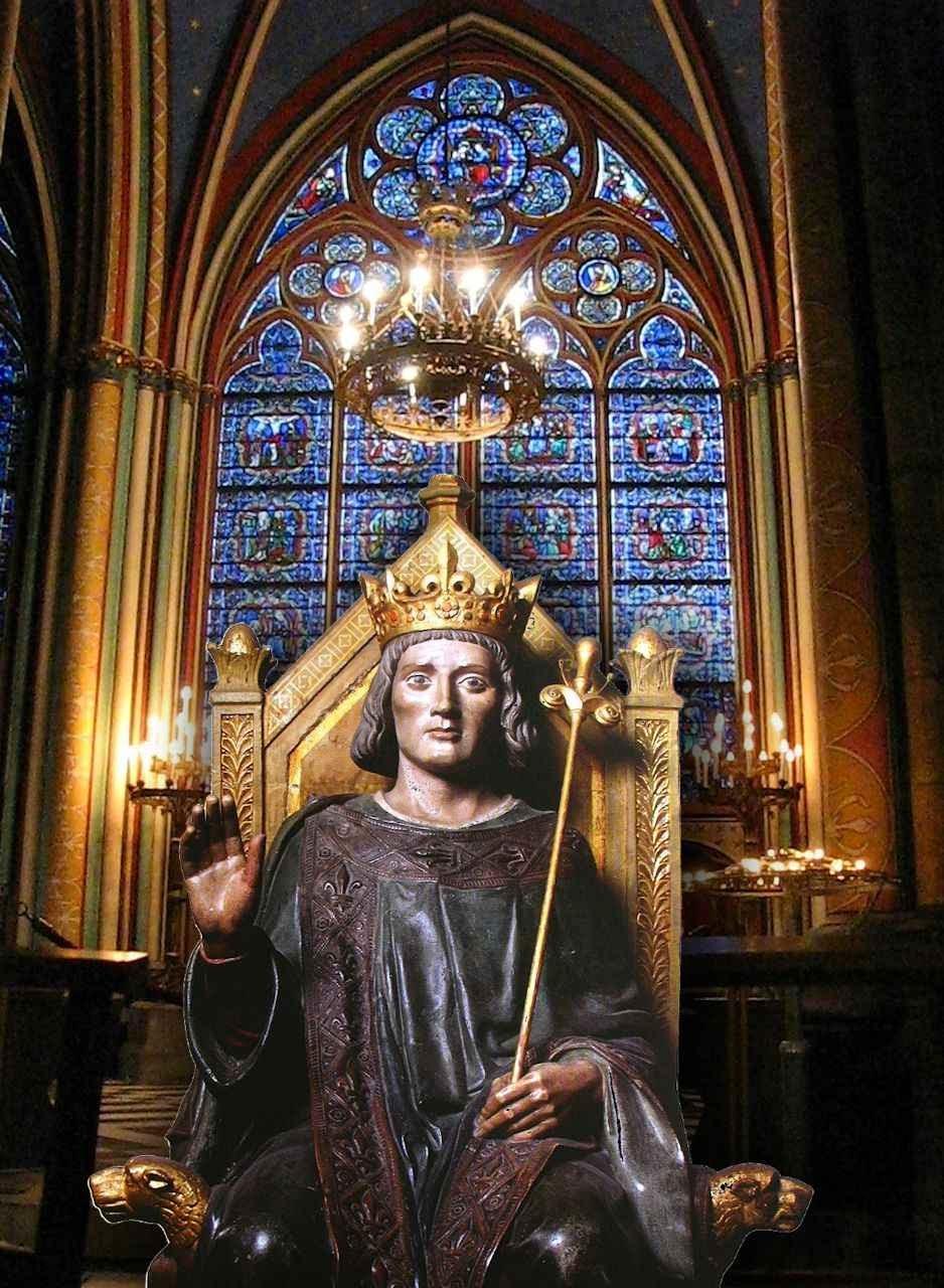 São Luís administrando justiça. Fundo: interior da catedral Notre Dame, Paris.