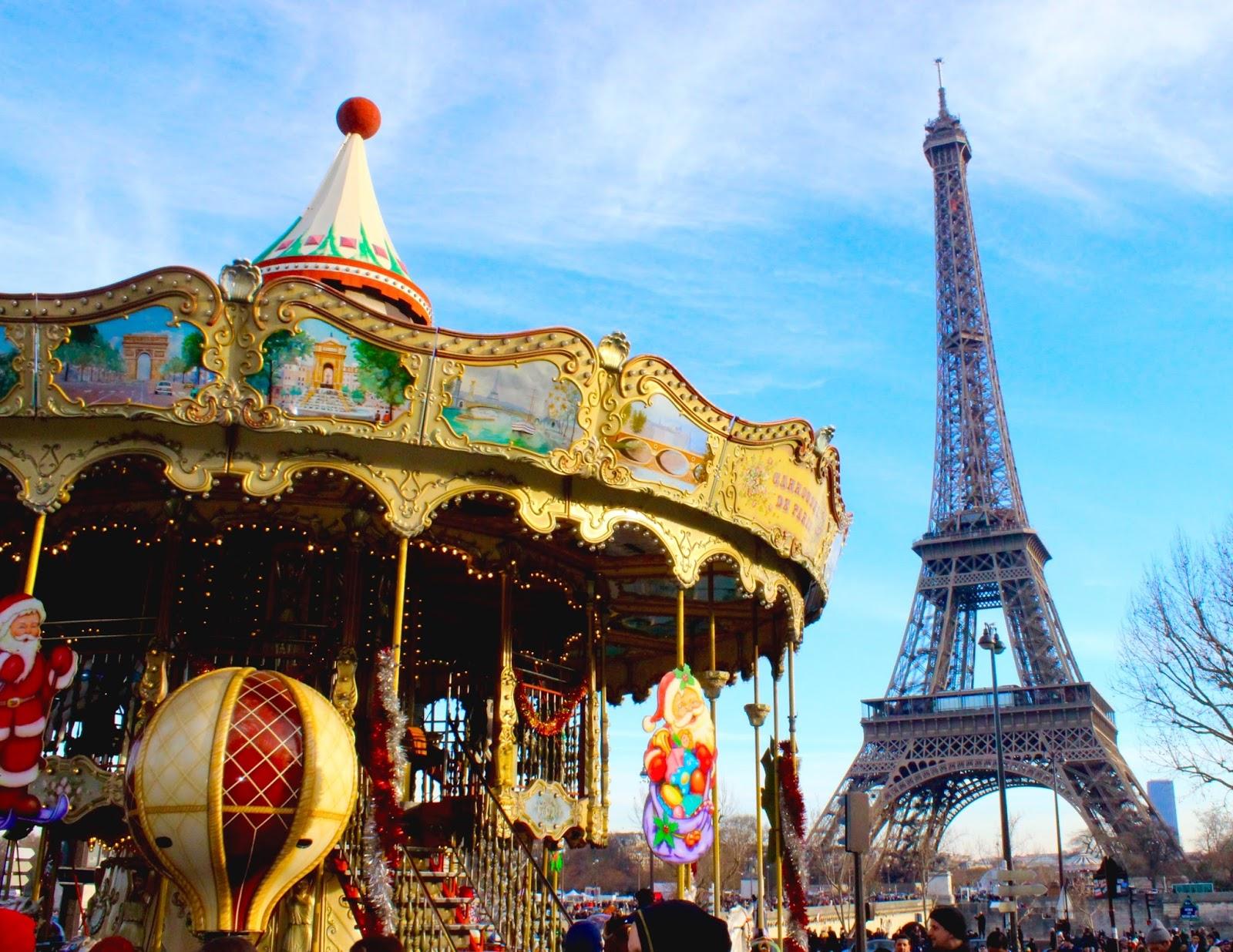 Jalan-Jalan di Paris - Eiffel Tower Merry Go Round