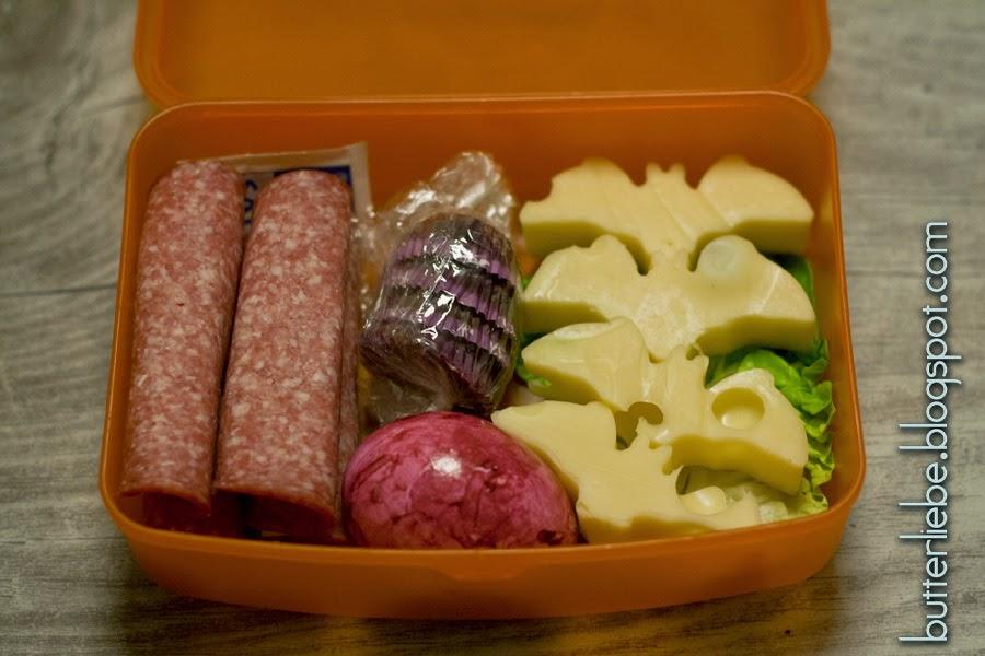 Salami-Käse-Röllchen, Schoko-Fatbomb, Ei, Käse-Fledermäuse, Salat, Lunchbox, LCHF