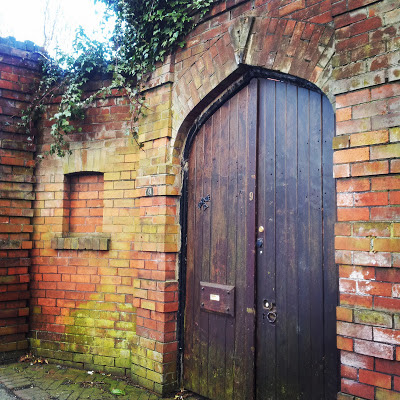 Large gate in Moortown Corner, Leeds