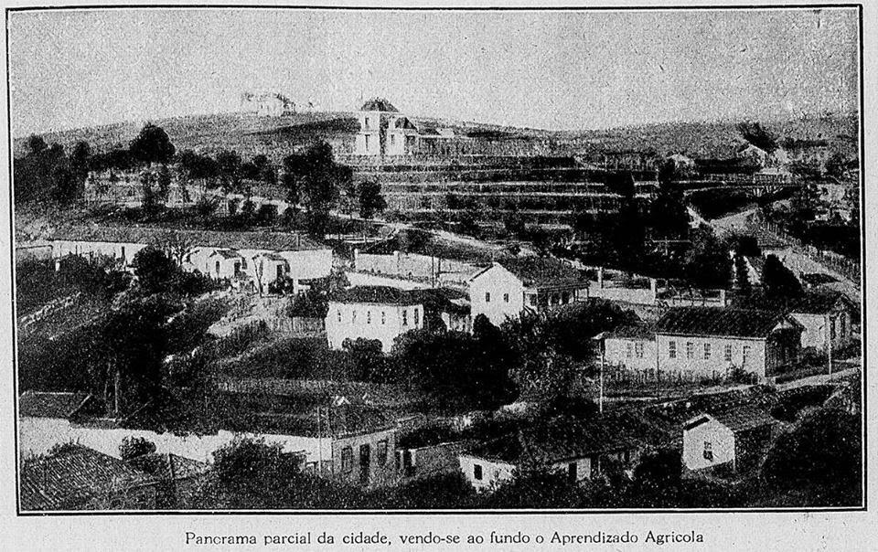 BARBACENA 1922 AO FUNDO ESCOLA AGRÍCOLA EM OBRAS