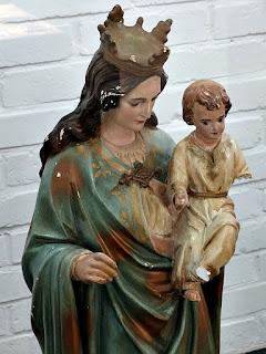 Nossa Senhora da Anunciação com o Menino Jesus, Museu Missioneiro de São Borja. Obra em gesso.