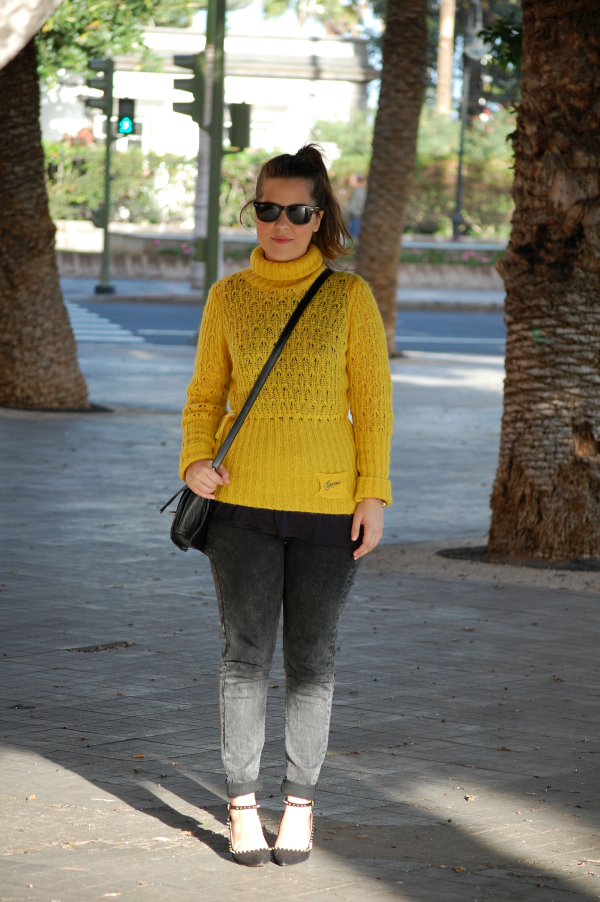 look_outfit_jersey_amarillo_mostaza_guess_nudelolablog_01