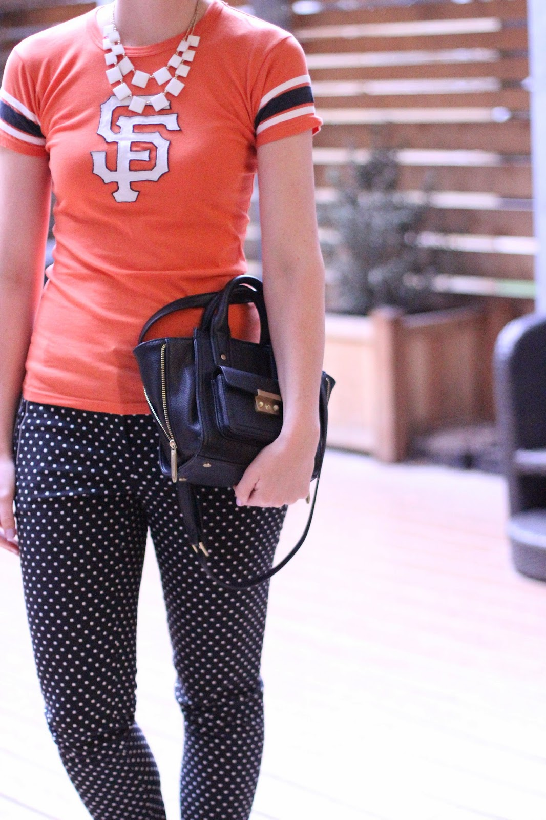 what to wear to a san francisco giants baseball game