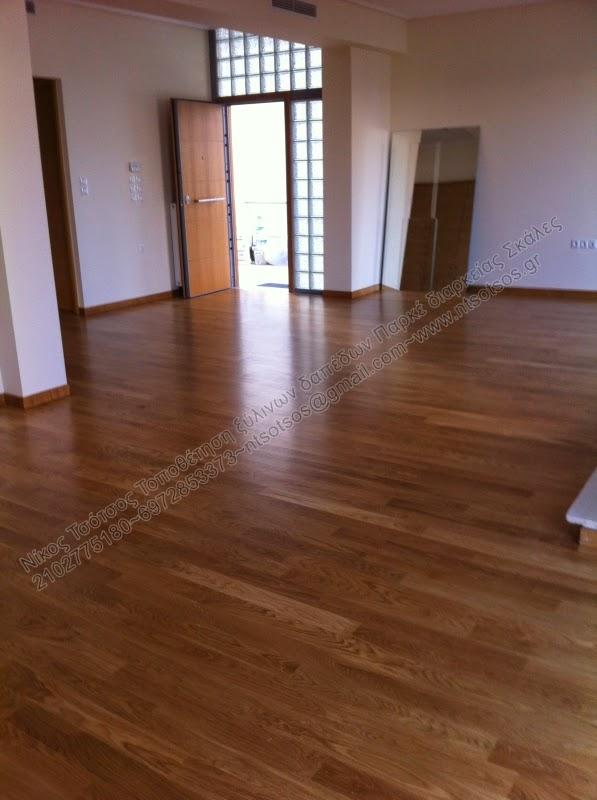 Συντήρηση σε ξύλινο πάτωμα με έντονα νερά με σατινέ οικολογικό βερνίκι