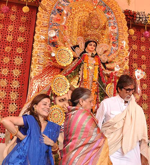 Amitabh Bachchan and Jaya celebrate Durga Pooja at Pendal