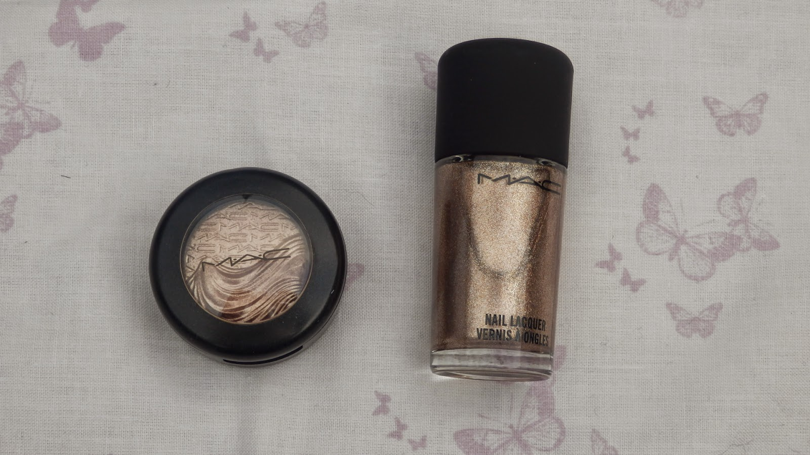 MAC Extra Dimension Eyeshadow in Sweet Heat & MAC Nail Lacquer in Soiree