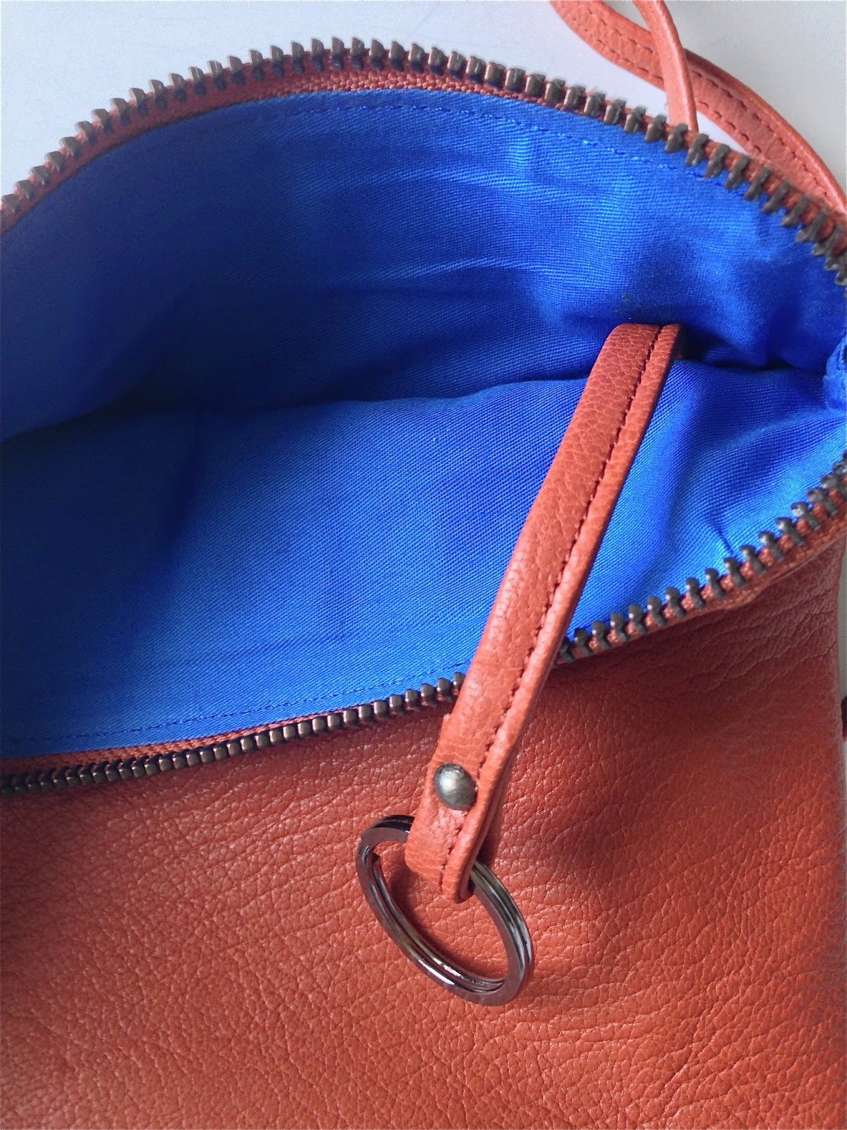 Lumi, Stella pouch bag