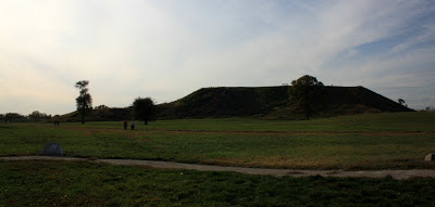 Monks Mound Cahokia ancient site, ancient man