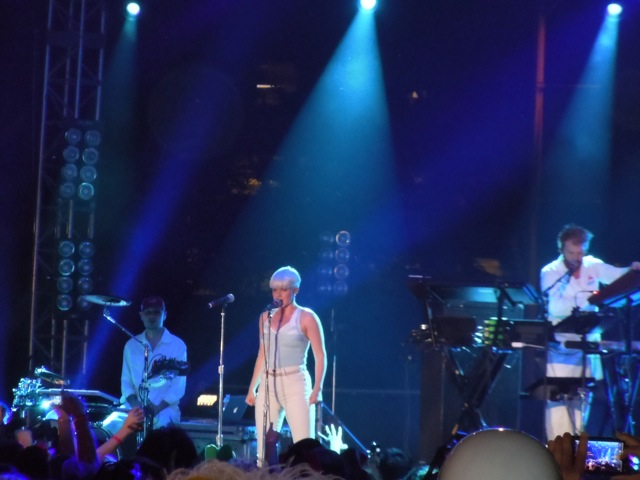 Robyn plays WEHO Halloween Carnaval