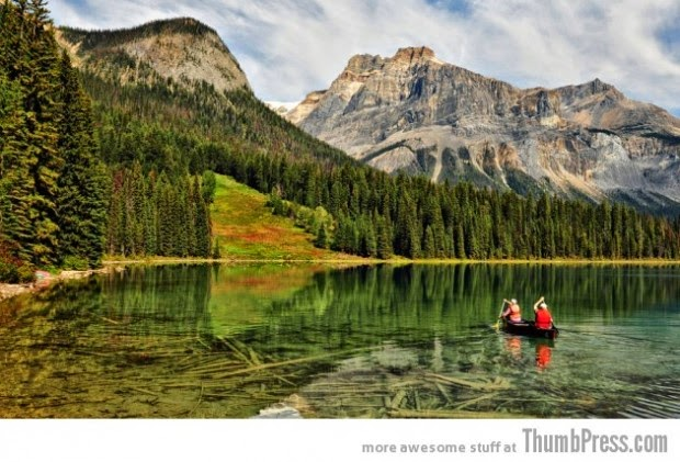 Emerald Lake, British Columbia picture