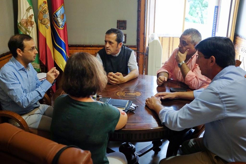 El alcalde traslada el for Proyecto comedor social